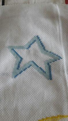 Stella bicolore (blu e azzurro) ricamata a punto croce Stella, Embroidery