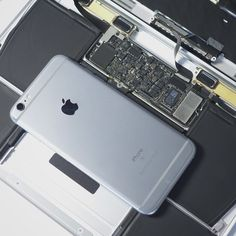 b43629229 La scheda logica sul nuovo macbook è più piccola di un iphone 6S. Perchè le  dimensioni non contano!