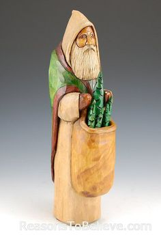Pack of Trees | Santa Claus Figurines and Hand Carved Wooden Santas