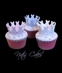 cupcakes fit for a queen Baking Cupcakes, Yummy Cupcakes, Cupcake Cookies, Cupcake Recipes, Pretty Cupcakes, Princess Crown Cake, Princess Tea Party, Princess Cupcakes, Royal Cupcakes