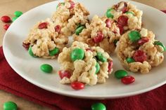 Easy Christmas Cookies Love rice krispie treats, especially with m's!