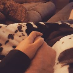 Day #6 thankful for cuddles with the one I love on chilly fall nights. #Blessed #LivingTheDream #Thankful #FutureMrsGoss #Fall #MyFavSeasonIsFall #ChillyNights #JK_CattleCo #MarryingTheManOfMyDreams