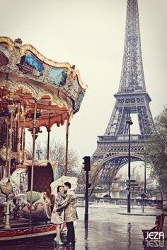 Eiffel Tower Carousel by °Jesseka_Siren°