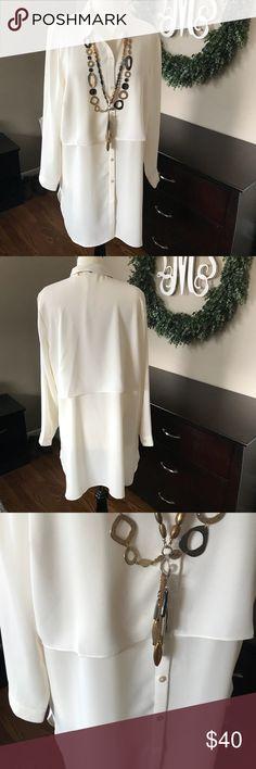 JJill Tunic Top JJill cream tunic top, great with leggings, jeggings or slim leg pants, dress up or go casual. J. Jill Tops Tunics