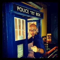Cecil Baldwin hitches a ride in the TARDIS THIS CROSS OVER MAKES SO MUCH SENSE!