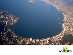 #informaciondeacapulco Vuelos en el Aeropuerto Internacional de Acapulco. INFORMACIÓN DE ACAPULCO. A Acapulco puedes llegar en avión o bien salir de él, ya que de su aeropuerto salen vuelos a muchos destinos, principalmente dentro de la República mexicana y también al extranjero. Encontrarás una gran cantidad de aerolíneas en las que seguro, obtendrás el precio y el servicio que estás buscando. Te invitamos a conocer más sobre el puerto de Acapulco en tu siguiente visita…