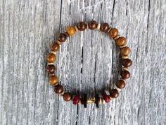 Mens or women natural Robles Wood Round Beads stretch bracelets by EmilDesign on Etsy Handmade Market, Handmade Gifts, Stretch Bracelets, Beaded Bracelets, Wood Rounds, Craft Sale, Round Beads, Arts And Crafts, Natural