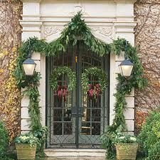 I can smell the fresh garland..