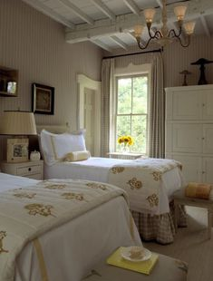 20 Inspiration With Curtain Country Bedroom shabby chic decor, bedroom country, vintage country bedroom, country home bedroom, country bedrooms ideas farmhouse decor country Cottage Chic, Cottage Living, Estilo Cottage, Country Living, Living Room, Cozy Bedroom, Bedroom Decor, Bedroom Ideas, Master Bedroom