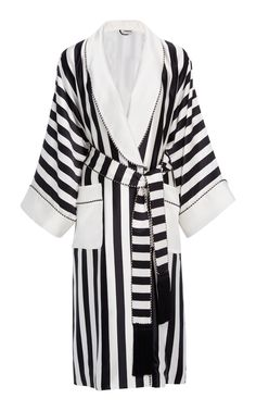This Homeism Willow Silk Robe features a relaxed silhouette with a wide shawl collar and two tone piping. Product Details Ships with tassel self-belt Front pockets Fully lined Composition: 100% silk Color: white and black stripe Button front Made in the United States of America