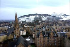 How can I pay attention in class with a view like this? (David Hume Tower, University of Edinburgh) - Imgur