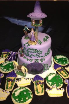Tangled cake and cookies