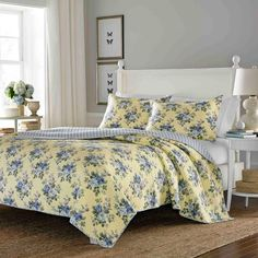 Laura Ashley Linley Reversible 3-piece Full/ Queen-size Quilt Set | Overstock.com Shopping - The Best Deals on Quilts