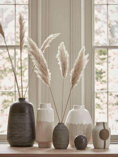 Objet Deco Design, Living Room Decor, Bedroom Decor, Grass Decor, Interior Decorating, Interior Design, Decorating With Vases, Design Interiors, Modern Interior