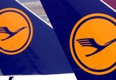 16-Sep-2014 6:21 - STAKING LUFTHANSA VAN DE BAAN. Piloten van de Duitse luchtvaartmaatschappij Lufthansa gaan vandaag toch niet staken. De vakbond Cockpit had de vliegers gevraagd om tussen 09.00 en 17.00 uur het werk neer te leggen, maar ziet nu van de staking af omdat er schot zit in de onderhandelingen met Lufthansa. Het was de bedoeling om het intercontinentale vliegverkeer vanuit Frankfurt stil te leggen. Tientallen vluchten naar Noord- en Zuid-Amerika, Azië en Afrika gaan nu...