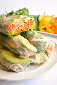 Avocado Summer Rolls served with a Sweet 'N Spicy Cilantro Dipping Sauce. A healthy alternative to those fried egg rolls served in restaurants. You know those delightful fried avocado egg rolls with that wonderful Healthy Meals For Two, Healthy Snacks, Healthy Eating, Best Avocado Recipes, Asian Recipes, Vegetarian Recipes, Cooking Recipes, Healthy Recipes, Vegetarian Picnic