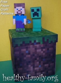Get free templates to print and cut of Minecraft paper craft Steve and Creeper with diamond pick.