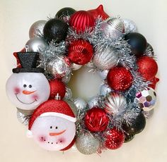 Snowman Holiday Ornament Wreath