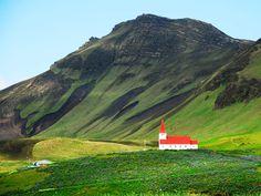 A glimpse of Iceland – church in Vík í Mýrdal