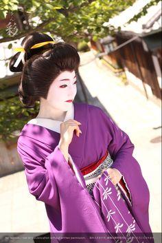 芸姿で野外撮影。#Maiko #Geiko #Kyoto
