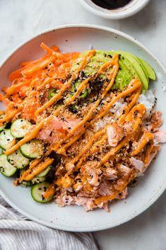 Pan Fried Salmon, Salmon Sushi, Salmon Roll, Asian Recipes, Healthy Recipes, Healthy Dinners, Sushi Recipes, Keto Recipes, Recipes