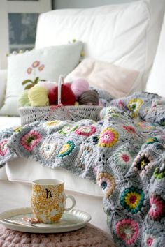 Coco Rose Diaries: Lovely photo of Vanessa's Sunshine Day Afghan - pattern by Alicia Paulson