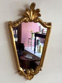 kultakehyksinen peili . 59x35cm