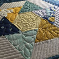 Feathered stars quilting by Coleen Barnhardt Quilting Stencils, Longarm Quilting, Free Motion Quilting, Quilting Projects, Quilting Ideas, Modern Quilting, Machine Quilting Patterns, Quilt Patterns, Quilt Modernen