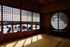 京都・東山【光明院】雪見障子