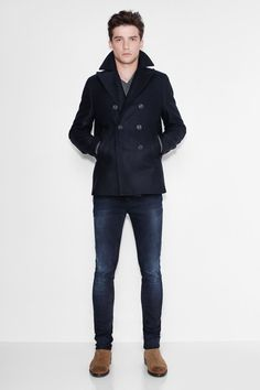 coat and dress outfit Peacoat Outfit, Mens Peacoat, Moda Formal, Mode Mantel, Casual Outfits, Men Casual, Stylish Men, Mens Winter Coat, Coat Dress