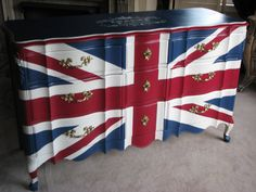 Union Jack Dresser London England by TransformedTreasure on Etsy Funky Furniture, Painted Furniture, Furniture Makeover, Union Jack Dresser, Union Jack Decor, British Things, Cool Things To Make, How To Make, Old Dressers