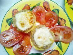 Virslis, hagymás, sajtos rántotta muffin Muffin, Mini Cupcakes, French Toast, Breakfast, Food, Morning Coffee, Eten, Cupcakes, Muffins