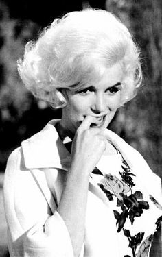Marilyn on the set of Something's Got To Give, 1962.