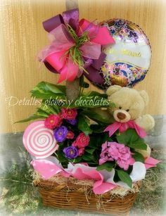 Bouquet Box, Candy Bouquet, Valentine Crafts, Valentines, Diy Gift Baskets, Mother And Father, Grapevine Wreath, Flower Arrangements, Diy And Crafts