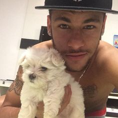 25 Shameless Neymar World Cup Selfies! Neymar Jr, Lionel Messi, Psg, Paris Saint Germain Fc, National Football Teams, Fc Barcelona, Football Players, Puppies, Selfies