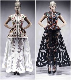 Aya Bapani - fashion designer - Kazakhstan p 19 Russian Embroidery, Afghan Dresses, Costumes Couture, White Chic, Global Style, Carpet Styles, Fantasy Dress, Body Adornment, Mannequin