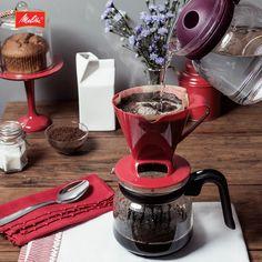 Tem coisa melhor que começar o dia com uma boa conversa regada a Café Melitta #passadonahora? O cheirinho já perfumou e acordou a casa inteira… Bom dia!