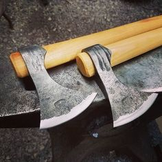 Throwing hawks. #justinburketraditionalcraftsman #blacksmithing #axe #tomahawk #camping #bushcraft #viking