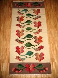 COVOR oltenesc cu flori - tesatura traditionala din Oltenia, Traditional Rugs, Art Gallery, Kids Rugs, Mirrors, Home Decor, Folklore, Trapper Keeper, Drawings, Picasa