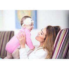 Nora Istrefi me vajzën