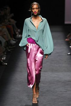 Marcos Luengo Madrid Spring/Summer 2020 Fashion Show India Fashion Men, Fashion Mode, Fashion 2020, Fashion Week, Fashion Trends, Germany Fashion, Classy Fashion, Runway Fashion, High Fashion