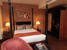 Room rates and packages