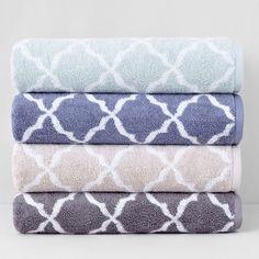 Hudson Park Scallop Bath Towel ($21) ❤ liked on Polyvore featuring home, bed & bath, bath, bath towels, oat, cotton bath towels and hudson park