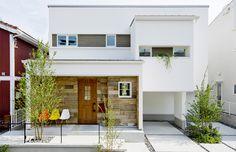 こういうのもカッコいいね 色調が濃い組み合わせでできればいいけど Future House, My House, Japanese Interior Design, Luxury Decor, Japanese House, Simple House, Apartment Design, Modern House Design, Exterior Design