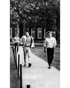 Prep Yourself: A Vintage Ivy-League Style Manual Photos Ivy League Colleges, Ivy Look, College Boys, College Life, Preppy Boys, Ivy League Style, Ivy Style, Prep Style, School Daze