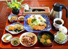 「まことの里」自然の中の古民家カフェで、心とからだにやさしい自然食ランチ