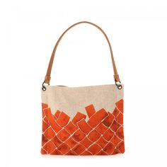 LXRandCo guarantees this is an authentic vintage Bottega Veneta shoulder bag . d6646f4c63994