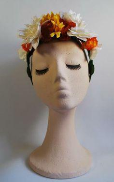 DIADEMA FRIDA 2 - realizado a mano con flores de tela en tonos amarillos, blancos y naranjas ,