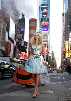 Ophelia Blaimer - Couture - Dirndl - New York Happy Hour - Blue Lady
