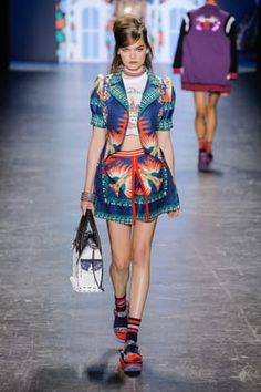 TAGWALK is a free fashion search engine which allows you to search for models, trends, accessories and fashion shows by keywords Ss 2017, Anna Sui, Search Engine, Harajuku, Fashion Show, Spring Summer, Punk, Model